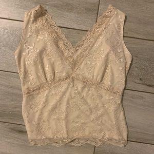 Double V sleeveless lace blouse